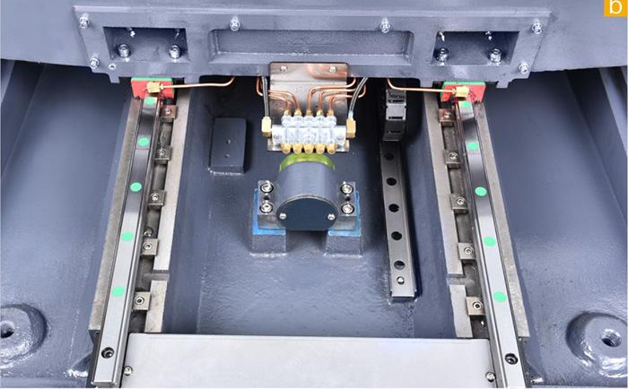 高静音螺杆、静音线轨使热变位少精度高